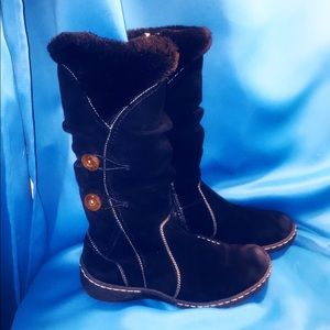 St johns bay faux fur lined zip winter boot.